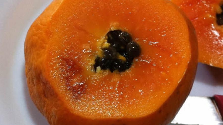 Wovon hab ich eigentlich gelebt, bevor ich hierher kam? Grundnahrungsmittel Papaya!
