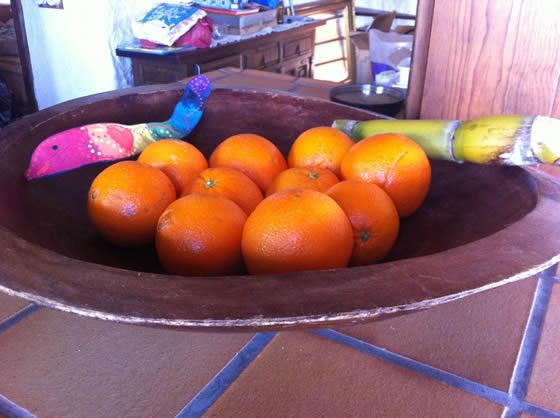 Eins meiner Lieblingsstücke hier: die riesige Schale ... die sicher immer gut gefüllt sein wird mit Früchten!