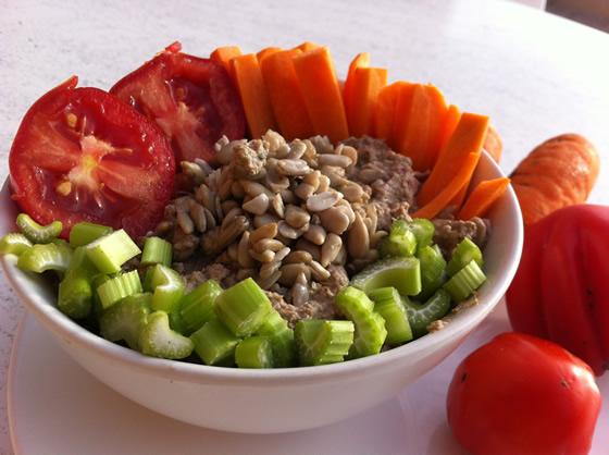 Für die Tochter: Sonnenblumenkern-Paté mit Gemüse