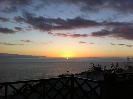Himmel, Atlantik und wunderschöne Sonnenuntergänge
