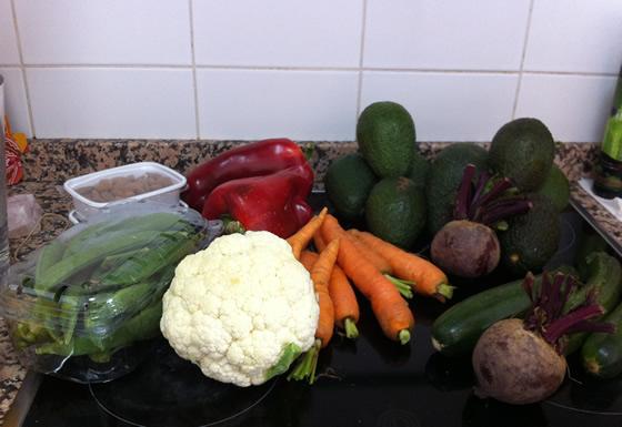 Erbsen, Möhren, Paprika, Zucchini, Rote Bete, Avocados, Blumenkohl