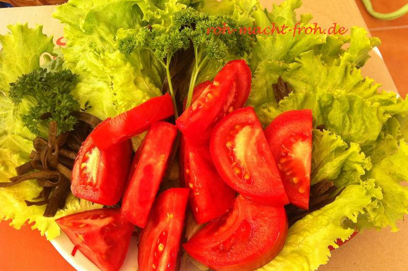 Viiiiel Grünzeug mit Tomate
