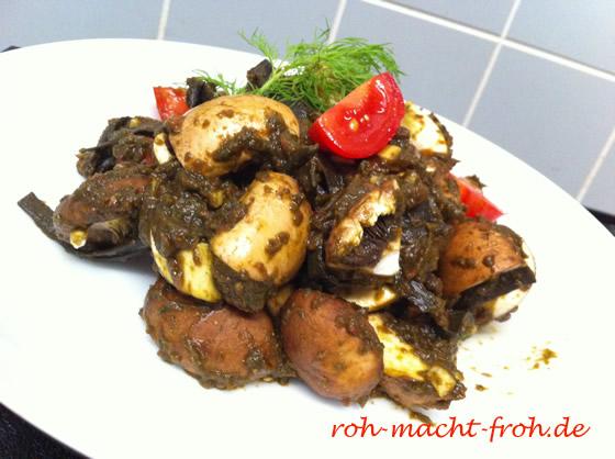 Pilz-Salat mit Tomaten-Kräuter-Sauce