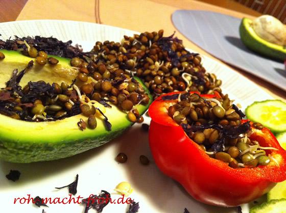 Gekeimte Linsen in Paprika und Avocado
