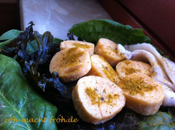 Mittag: Spinat, Algen, Kokosnuss, Kochbanane