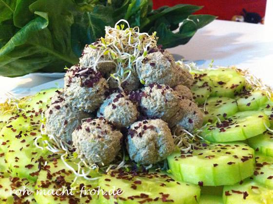 Sprossen-Algen-Buchweizen-Klößchen