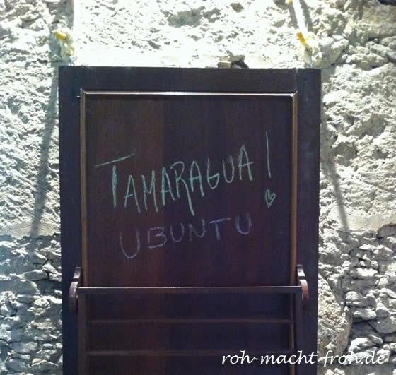 """""""Tamaragua"""" bedeutet """"Mond"""" in der Sprache der Guanchen. """"Ubuntu"""" bezeichnet die afrikanische Lebensphilophie von Menschlichkeit & das Bewusstsein, Teil eines Ganzen zu sein."""