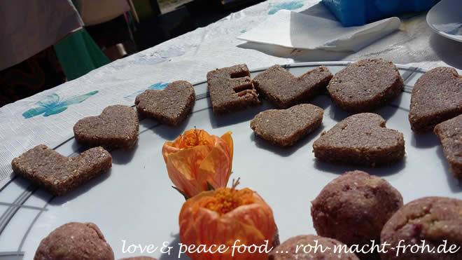 Love & Peace Food, mit geschenkten Blüten noch schöner