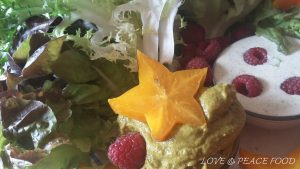food-181219-starfruitbreakfast