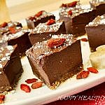 Invitation to Rawfood Paradise: with the most decadent raw vegan chocolate cake ever