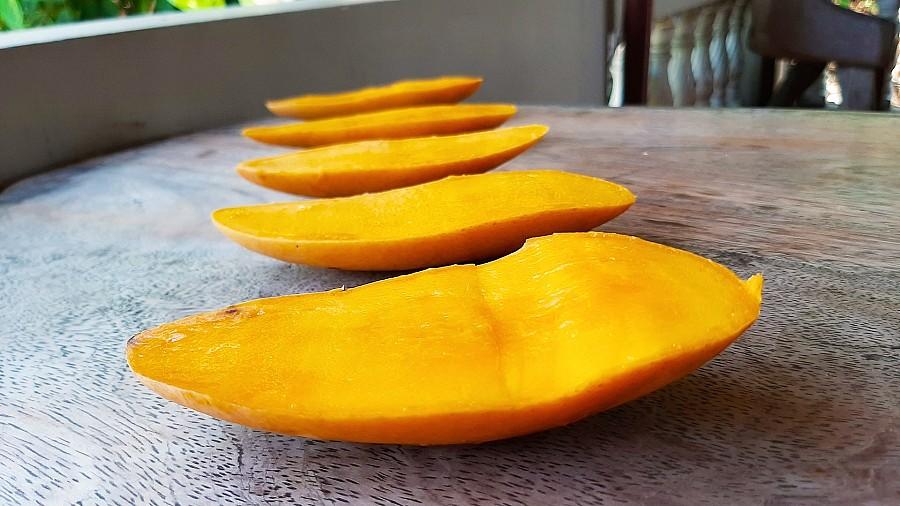 200402-mangos-huahin