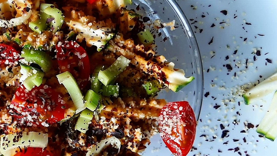 Rohkostrezept: Zucchini Spirelli - Happy Healthy Raw & Free